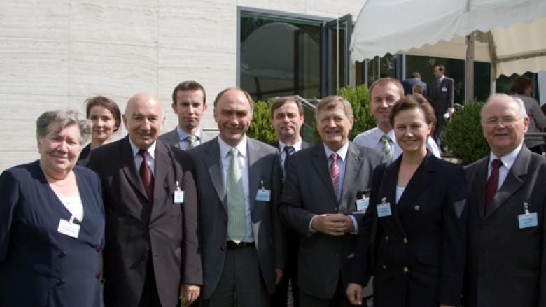Angehörige der deutschen Minderheit mit dem Aussiedlerbeauftragten der Bundesregierung, Dr. Christoph Bergner und dem Bundesvorsitzenden der OMV, Helmut Sauer