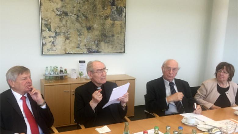 Helmut Sauer, Erzbischof Prof. Dr. Alfons Nossol, Dr. Sieghard Rost und Christa Matschl (v.l.n.r.)