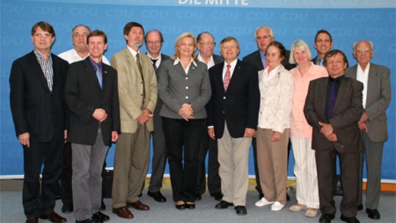 OMV-Bundesvorstand mit Margarete Ziegler-Raschdorf, der hessischen Landesbeauftragten für Heimatvertriebene und Spätaussiedler
