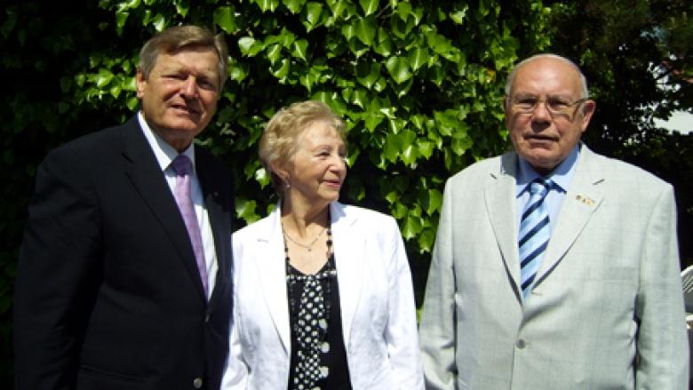 Sauer dankte Niebuhr (80)