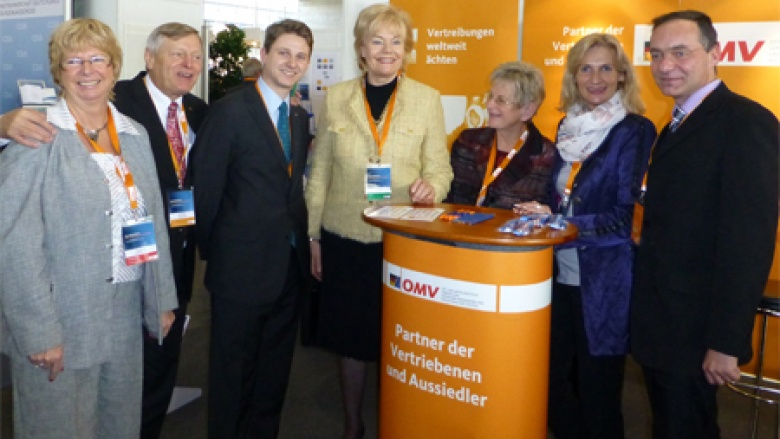 (v.l.n.r.) Angelika Jahns MdL (Wolfsburg), Helmut Sauer (Salzgitter), Paul Derabin, Erika Steinbach MdB, Renate Holznagel, Editha Lorberg MdL und Oliver Dix