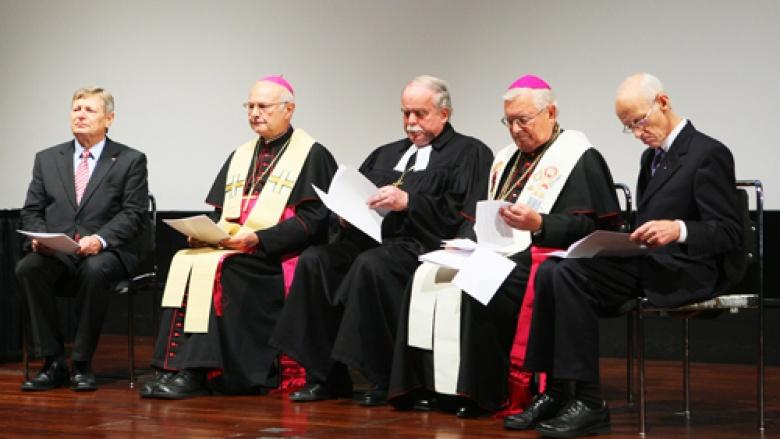 Vor Beginn des ökumenischen Wortgottesdienstes