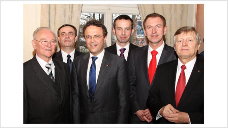 (v.l.n.r.) Bruno Kosak, Bernard Gaida, Dr. Hans-Peter Friedrich MdB, Rafal Bartek, Norbert Rasch und BdV-Vizepräsident Helmut Sauer (Salzgitter)