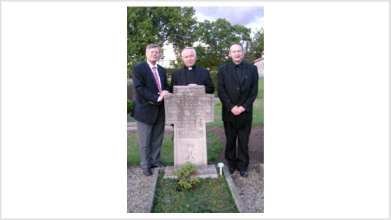 Pfarrer Prof. Dr. Kogut, Prälat Prof. Dr. Josef Pater und Helmut Sauer (v.r.n.l.)