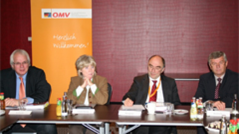 (v.l.n.r.) Klaus Schuck, Gudrun Osterburg MdL, Dr. Christoph Bergner Dr. Albrecht Buttolo