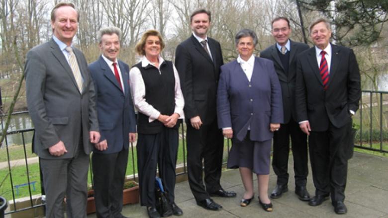 Rudolf Götz MdL, Dr. Dieter Radau, Evamaria Lellek, Innenminister Uwe Schünemann MdL,  Helge Kahnert, Oliver Dix und Helmut Sauer (v.l.n.r.)