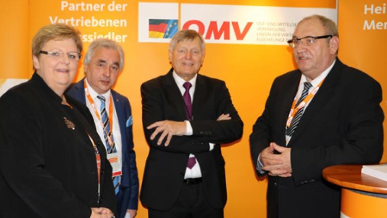 (v.l.n.r.) Iris Ripsam MdB, Volker Mosblech MdB, Helmut Sauer mit dem stellv. OMV-Bundesvorsitzenden und Delegierten für Thüringen Egon Primas MdL