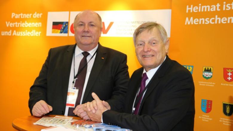 Vorsitzender des Netzwerks Aussiedler Heinrich Zertik MdB mit Helmut Sauer