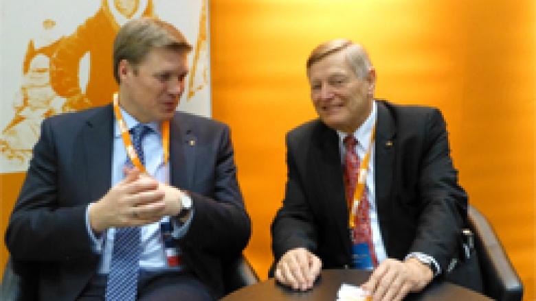 Helmut Sauer im Gespräch mit dem niedersächsischen CDU-Generalsekrtär  Ulf Thiele MdL