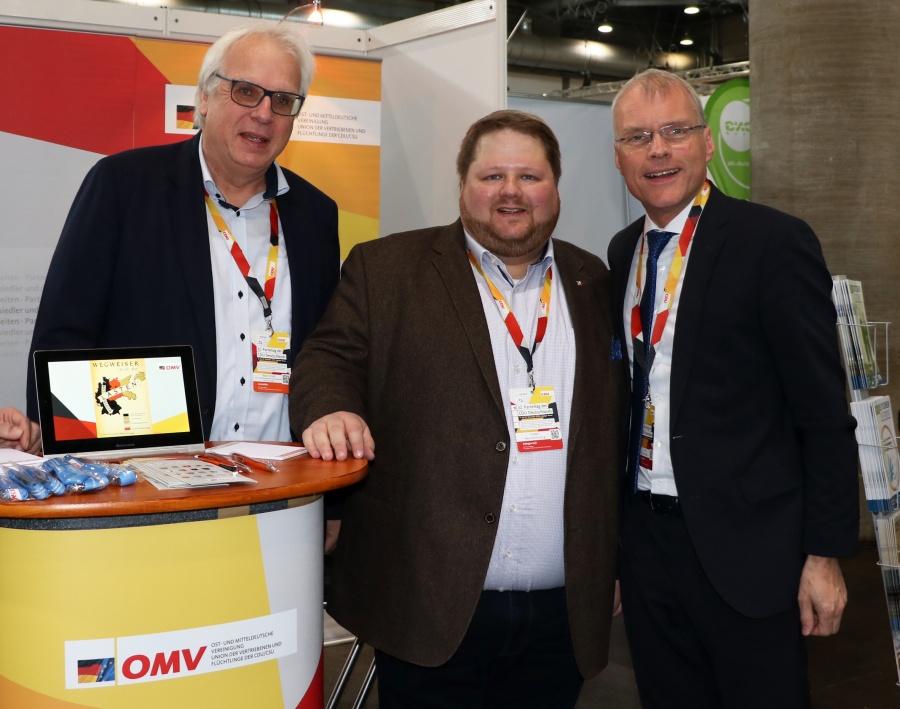 Klaus Schuck mit den nordrhein-Westfälischen Delegierten Heinrich Frieling MdL und Oliver Krauß MdL