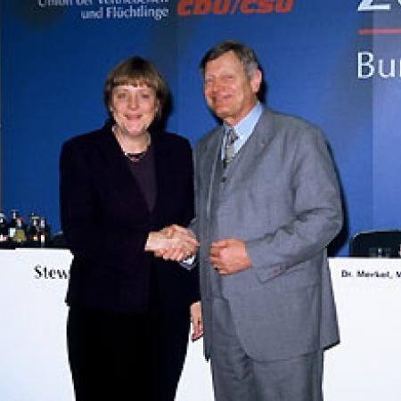 Dr. Angela Merkel, Helmut Sauer