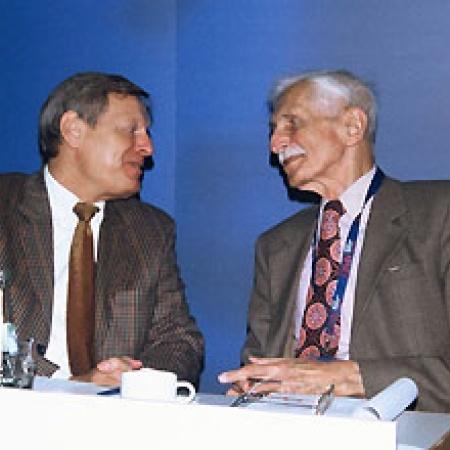 Helmut Sauer, Dr. Herbert Hupka