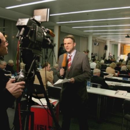 Fernsehsender Phönix übertrug die Rede von Frau Dr. Merkel live