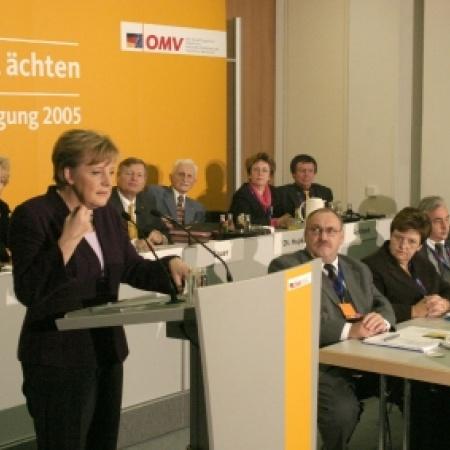 Grußwort von Dr. Angela Merkel an die Delegierten