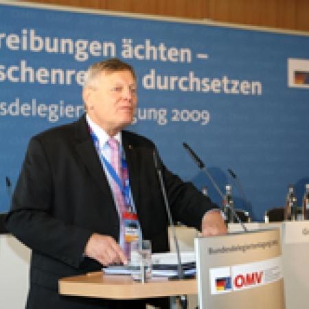 Begrüßung der Delegierten und Gäste durch Helmut Sauer