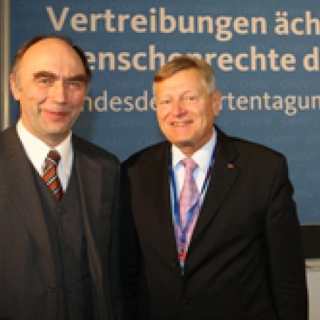 Parlamentarischer Staatssekretär Dr. Christoph Bergner mit Helmut Sauer