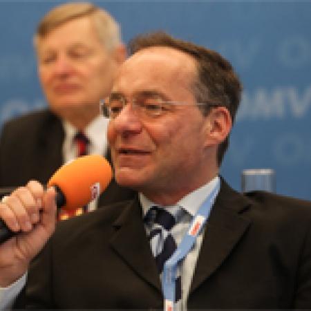 Moderator Oliver Dix