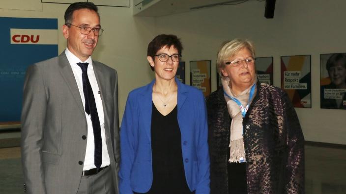 Annegret Kramp-Karrenbauer mit Schatzmeisterin Iris Ripsam und stellv. Bundesvorsitzenden Christoph Zalder