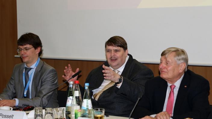 Podium mit Bernd Posselt
